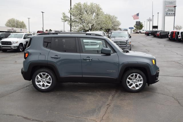 New 2018 JEEP Renegade Latitude FWD