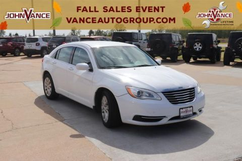 Pre-Owned 2014 Chrysler 200 4dr Sdn LX